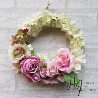 光触媒加工・壁掛けリース【wreath332】ハイドレンジアとバラのリースです。wreath(リース)は永遠と健康と愛情の象徴です。他の方とあまりかぶらない、嬉しい贈り物です。