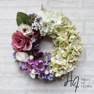 光触媒加工・壁掛けリース【wreath335】ローズも小花も素敵ななリースです。wreath(リース)は永遠と健康と愛情の象徴です。他の方とあまりかぶらない、嬉しい贈り物です。