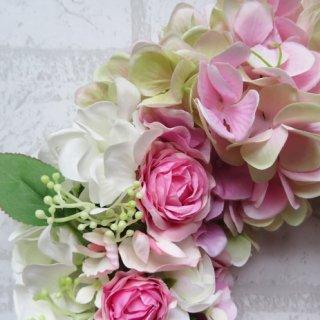 光触媒加工・壁掛けリース【wreath344】ハイドレンジアと薔薇のリースです。wreath(リース)は永遠と健康と愛情の象徴です。他の方とあまりかぶらない、嬉しい贈り物です。