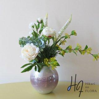 高級造花アレンジメント【銀彩・ピオニー】「九谷焼銀彩花生」にピオニーなどで、和洋折衷の美的空間を。
