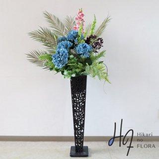 光触媒造花アレンジメント【スタンド70型RD530】ハイドレンジアとシダ類やユーカリの高さ138�横幅65�のスタンド型高級造花アレンジメントです。
