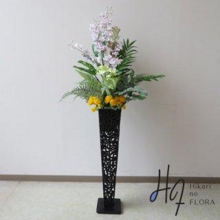 光触媒造花アレンジメント【スタンド70型RD540】ホワイトラベンダー色のオンシジュームを使った、高さ140�横幅65�のスタンド型高級造花アレンジメントです。