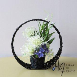 高級造花アレンジメント【ピンクッション】和風の花器にピンクッションをアレンジしました。