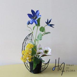 高級造花アレンジメント【テッセン】クレマチス(テッセン)のアレンジメントです。