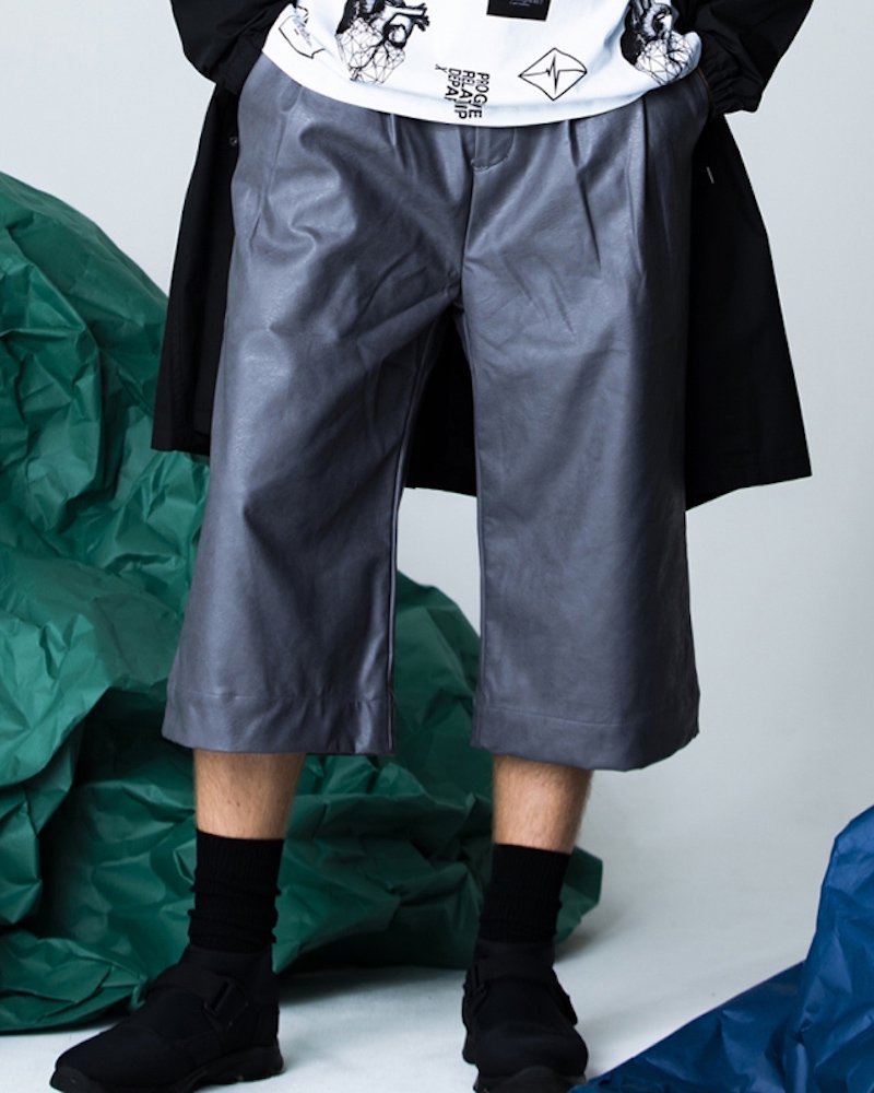 オーバーサイズ&ストリート『Re:one Online Store』「PARADOX」LEATHER PANTS(GRAY)