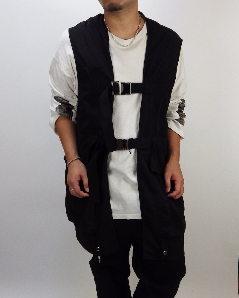 オーバーサイズ&ストリート『Re:one Online Store』Long military black vest