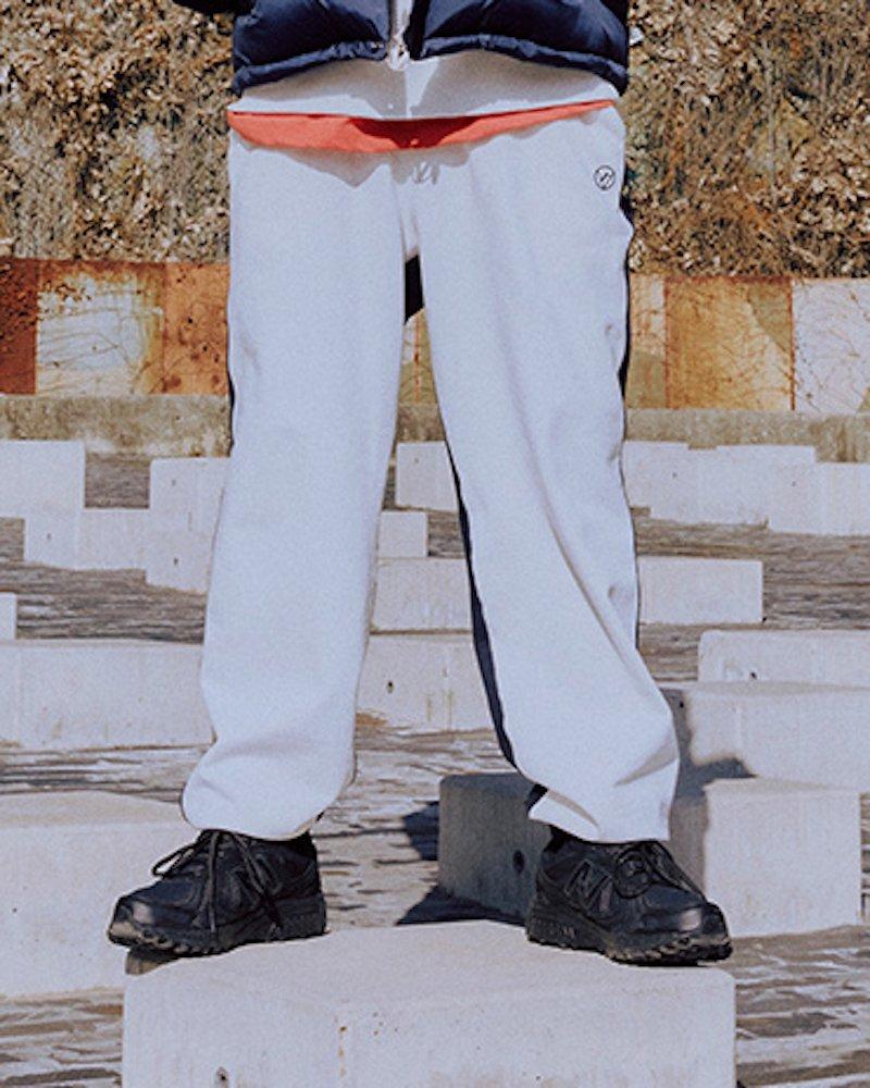 オーバーサイズ&ストリート『Re:one Online Store』「OVERR」OVR LOGO COLOR BLOCKED JOGGER PANTS