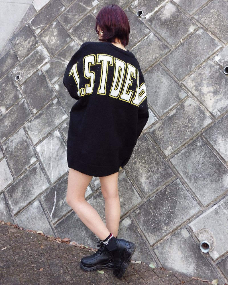 オーバーサイズ&ストリート『Re:one Online Store』「EDDEN」BACK STDED PRINT BLACK KNIT