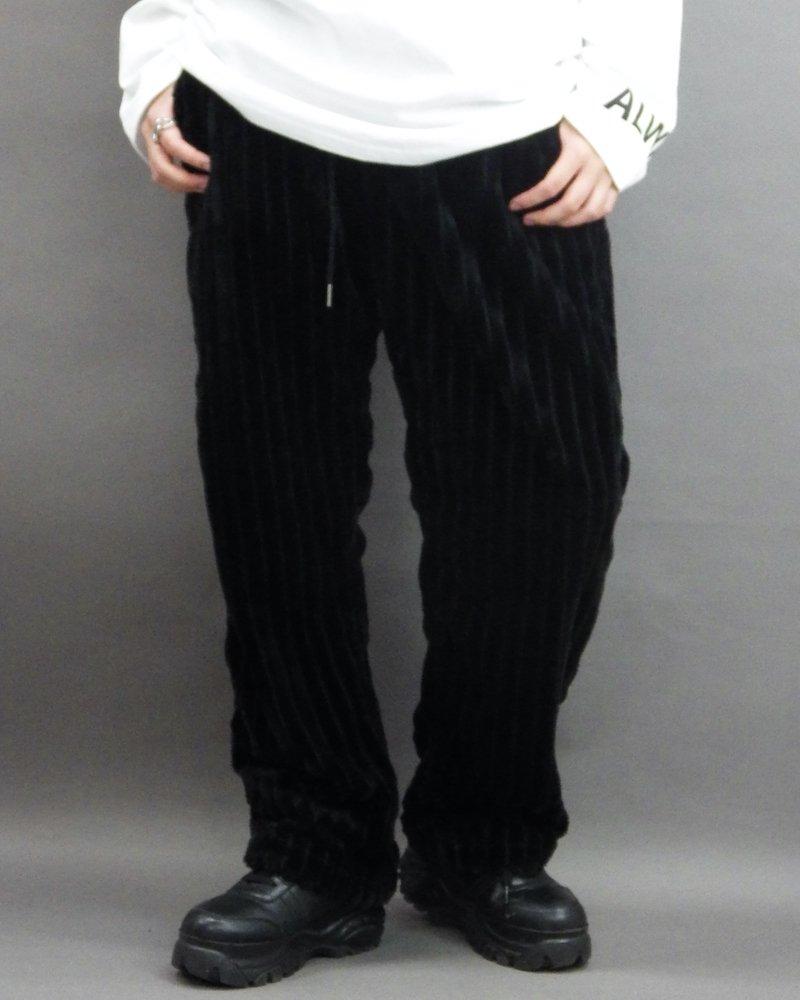 オーバーサイズ&ストリート『Re:one Online Store』「NINE NUTS」Mofu-mofu black pants