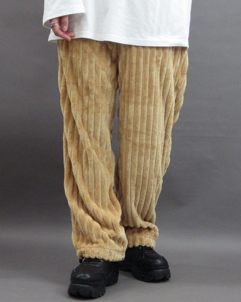 オーバーサイズ&ストリート『Re:one Online Store』「NINE NUTS」Mofu-mofu beige pants