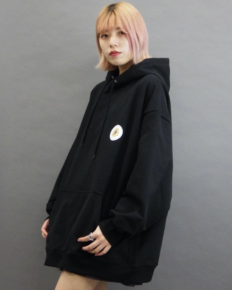 オーバーサイズ&ストリート『Re:one Online Store』「EDDEN」Flower print over black hoodie