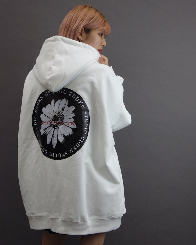 オーバーサイズ&ストリート『Re:one Online Store』「EDDEN」Flower print over white hoodie