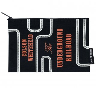 <img class='new_mark_img1' src='https://img.shop-pro.jp/img/new/icons14.gif' style='border:none;display:inline;margin:0px;padding:0px;width:auto;' />Colson Whitehead / The Underground Railroad Pouch
