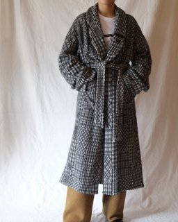 mister it.:Check Gown Coat