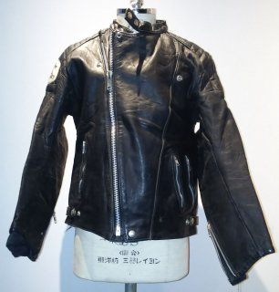<img class='new_mark_img1' src='https://img.shop-pro.jp/img/new/icons16.gif' style='border:none;display:inline;margin:0px;padding:0px;width:auto;' />70's MADE IN ENGLAND Manx Leathers Double riders jacket