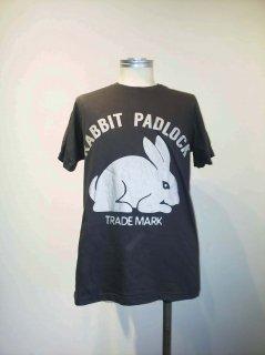 RABBIT PADLOCK Tシャツ