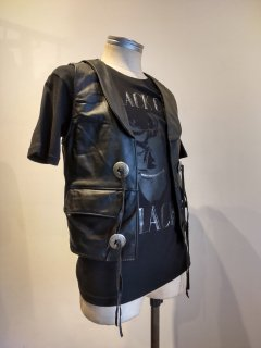 <img class='new_mark_img1' src='https://img.shop-pro.jp/img/new/icons1.gif' style='border:none;display:inline;margin:0px;padding:0px;width:auto;' />Steer Brand Concho Leather Vest