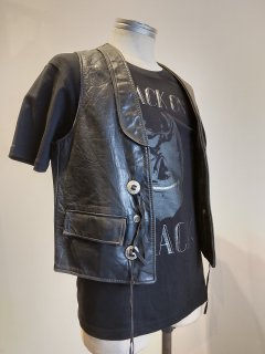 <img class='new_mark_img1' src='https://img.shop-pro.jp/img/new/icons1.gif' style='border:none;display:inline;margin:0px;padding:0px;width:auto;' />Schott Concho Leather Vest
