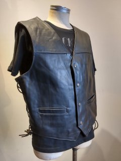<img class='new_mark_img1' src='https://img.shop-pro.jp/img/new/icons1.gif' style='border:none;display:inline;margin:0px;padding:0px;width:auto;' />Side lace Leather Vest