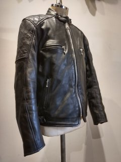 <img class='new_mark_img1' src='https://img.shop-pro.jp/img/new/icons1.gif' style='border:none;display:inline;margin:0px;padding:0px;width:auto;' />GOLDTOP Trucker Leather Jacket