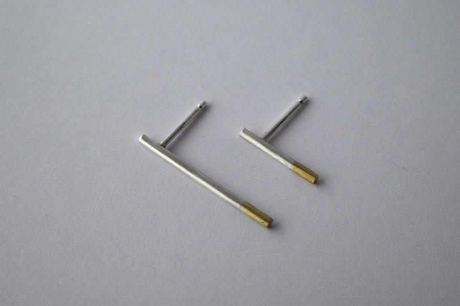 銀と真鍮の棒ピアス / ペア