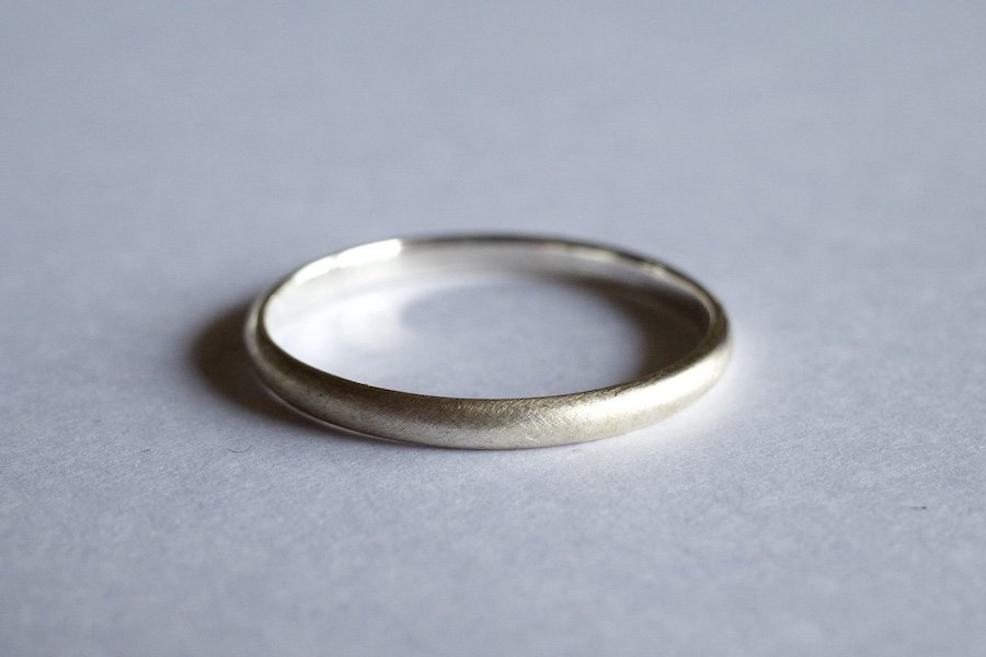 銀の丸い指輪 / 2.0mm