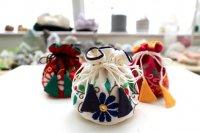フェアトレード・ミラー刺繍のミニポーチ(インド)