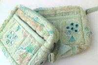 インド・ミラー刺繍古布ポーチ・ライトグリーン現品2点(個別写真あり)