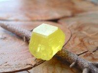 シチリア島サルファー(天然硫黄)単結晶原石 32g