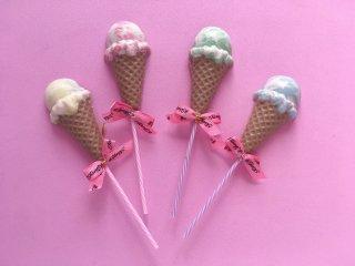 デコチョコ アイスクリーム型のロリポップチョコレート