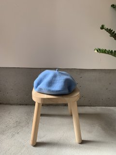 <img class='new_mark_img1' src='https://img.shop-pro.jp/img/new/icons14.gif' style='border:none;display:inline;margin:0px;padding:0px;width:auto;' />anytra / Flora Beret kids / Middle blue