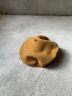 <img class='new_mark_img1' src='https://img.shop-pro.jp/img/new/icons14.gif' style='border:none;display:inline;margin:0px;padding:0px;width:auto;' />anytra / Flora Beret Adult / Dark camel