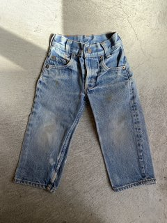 <img class='new_mark_img1' src='https://img.shop-pro.jp/img/new/icons14.gif' style='border:none;display:inline;margin:0px;padding:0px;width:auto;' />vintage /LEVIS / kids DENIM