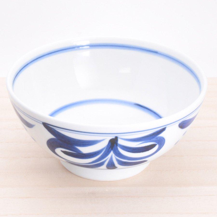 砥部焼・千山窯 − うどん鉢(中)  三ツ紋唐草
