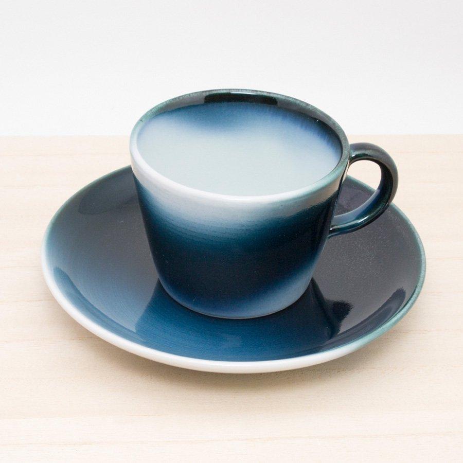砥部焼・ヨシュア工房 − コーヒーカップ&ソーサー 波塗り