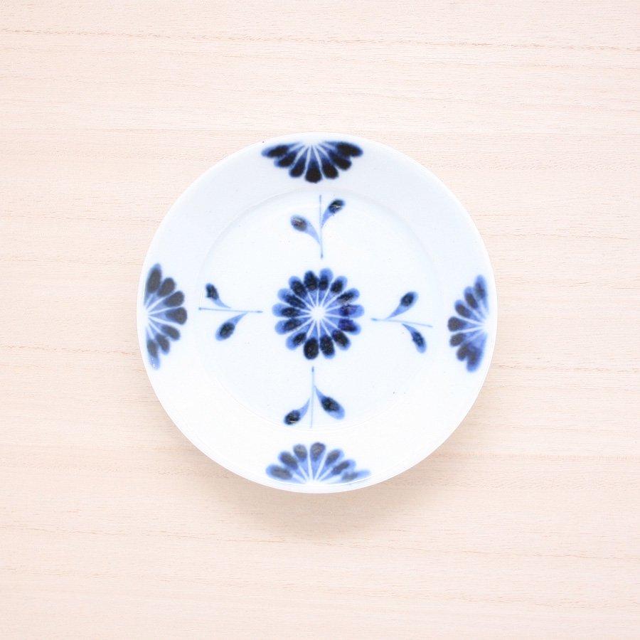 砥部焼・陶房 遊 − 4寸リム皿 菊つなぎ[新規格]