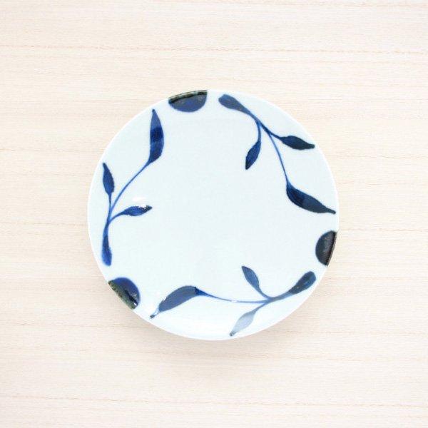 砥部焼・雲石窯 − 5寸皿 三ツ葉