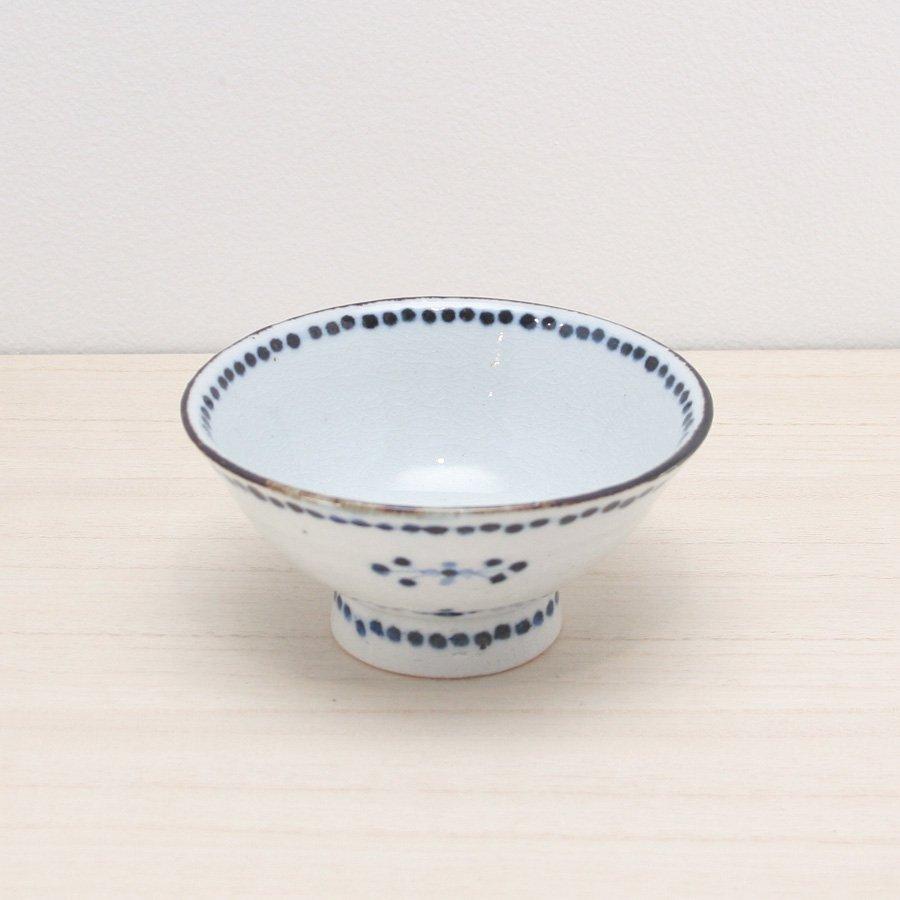 砥部焼・陶彩窯 − 染付小花文 茶碗 青