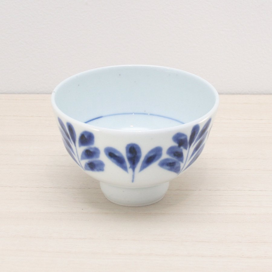 砥部焼・陶房 遊 − めし碗 M  ブルーリーフ