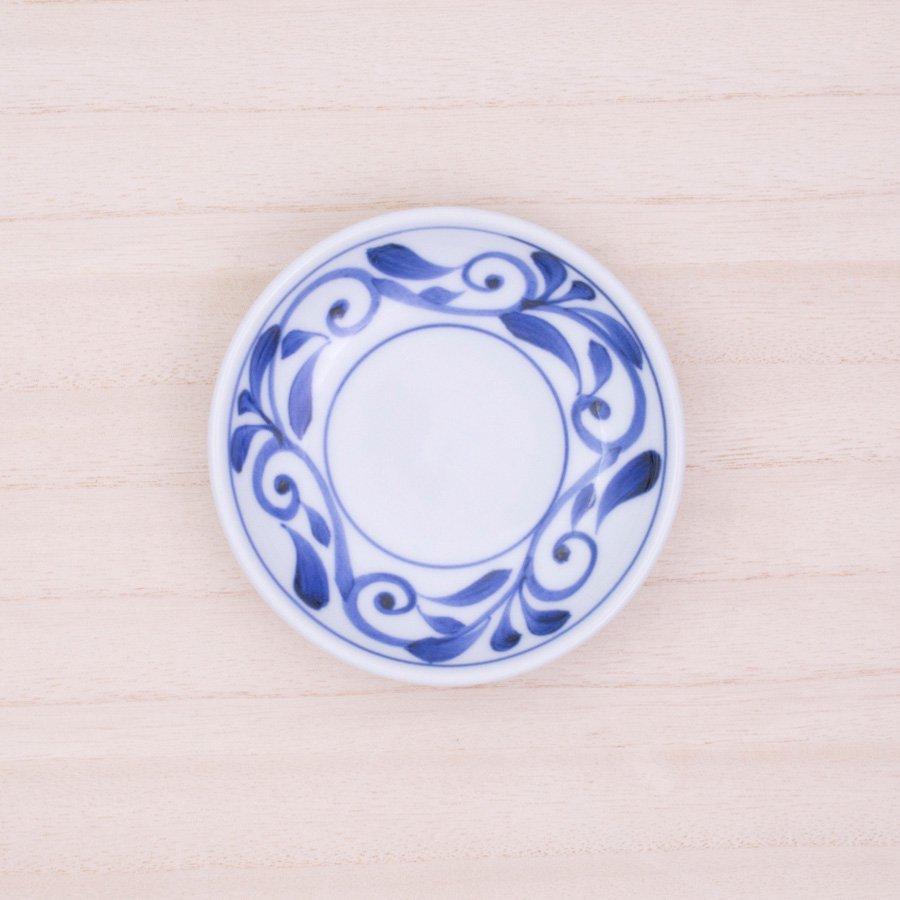 砥部焼・千山窯 − 3.5寸深皿 唐草