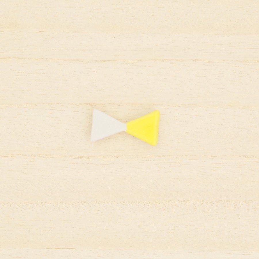 砥部焼・昭和製陶 − リボンブローチ 小・黄色