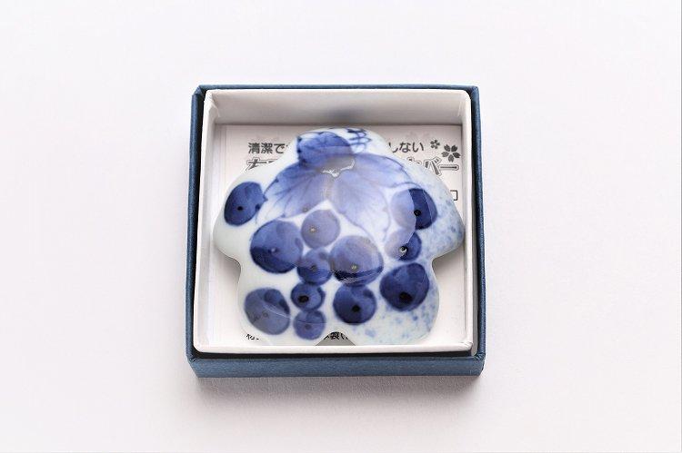 〇楽々シリーズ 染付和ぶどう 桜型排水口カバー 画像サブ5