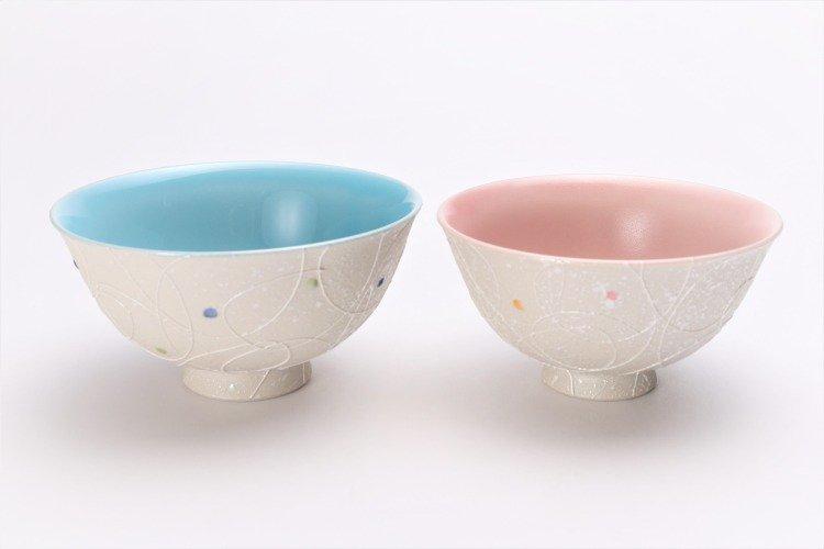 楽々シリーズ 色しずく(内ブルー・ピンク) ペア茶碗 (化粧箱入り) 画像メイン