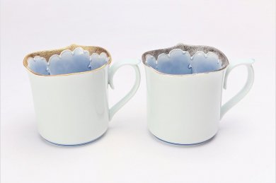 文山窯 金牡丹・プラチナ牡丹 輪花ペアマグカップ