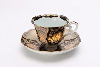 徳幸窯 黒地金彩菊華紋紅茶碗