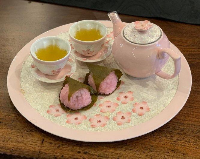 田清窯 薄ピンク釉虹彩桜 茶器セット(プレート付)  画像サブ32