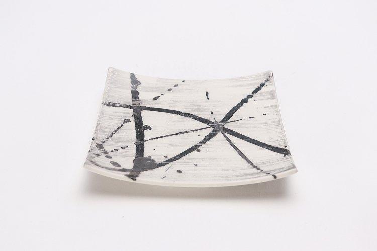 金善窯 正角菓子皿(小) ミスト黒飛ばし銀刷毛 画像メイン