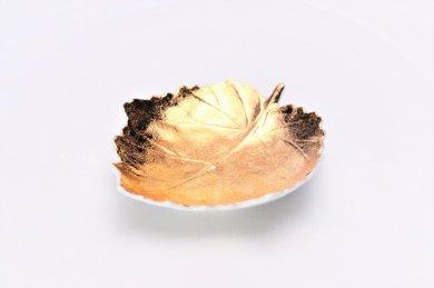 〇【オリジナル】金彩 葉型皿