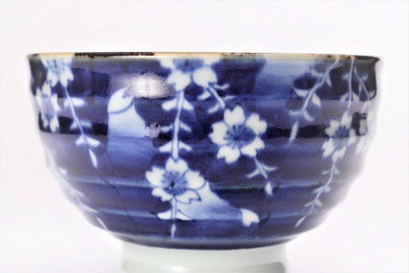 福泉窯×MARUKEIオリジナル 染付しだれ桜 高台ロクロ目麺鉢 画像サブ4