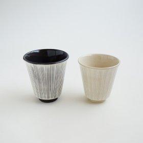 粉引刷毛線彫|コップ大小|利左ェ門窯